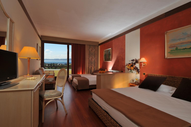 Le junior suite sono camere particolarmente spaziose di for Piani di aggiunta di suite in legge